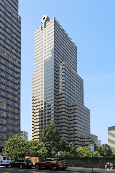 2005 Martket building