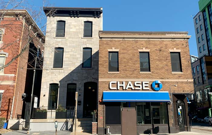 Outside storefront view of chase bank